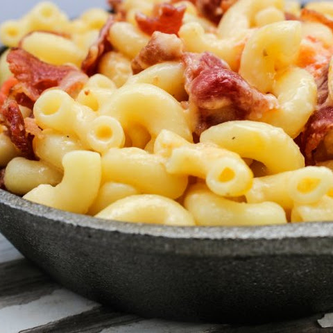 Easy Skillet Beer Bacon Mac and Cheese