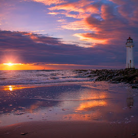 Lighthouse by Łukasz Rogalski - Landscapes Sunsets & Sunrises ( uk, lighthouse, seascape )