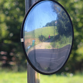 Mirror by Terry Linton - Artistic Objects Glass