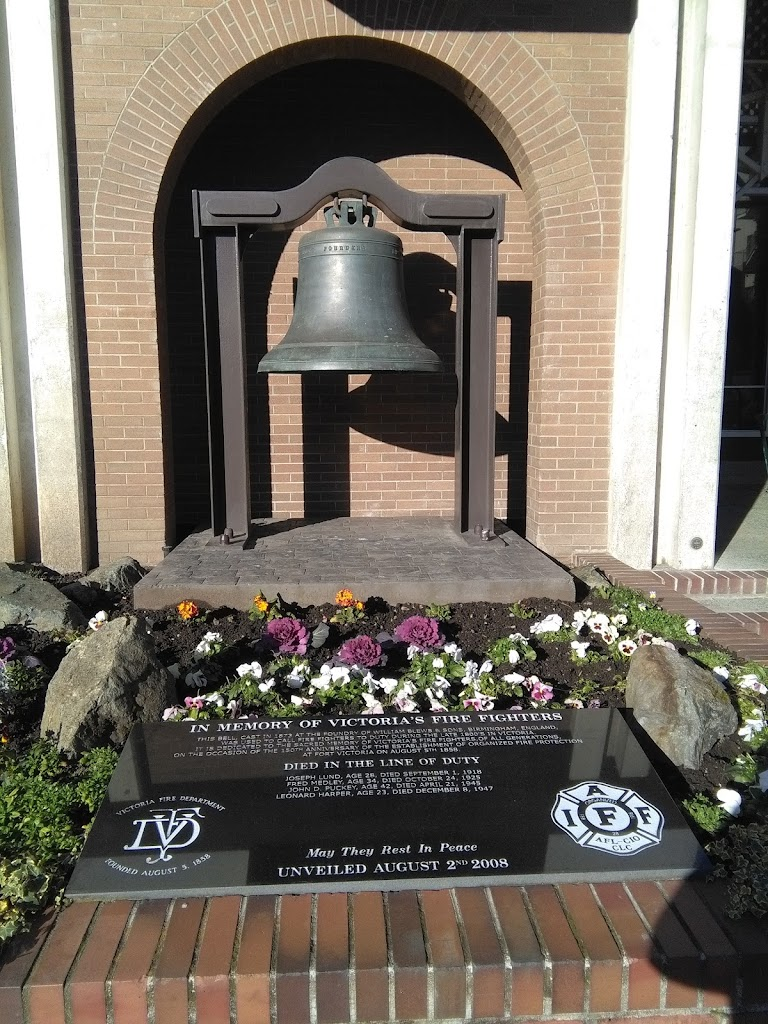 Transcription: In Memory of Victoria's Fire Fighters This bell, cast in 1873 at the foundry of William Blews & Sons, Birmingham, England, was used to call fire fighters to duty during the late 1800s ...