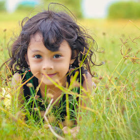 no hide by Area Duatiga Romantois - Babies & Children Child Portraits ( anak, area23, bondowoso )