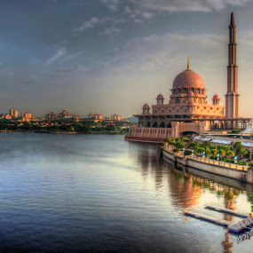 Masjid Putrajaya by Zulkifli Yusof - Buildings & Architecture Places of Worship ( putrajaya, mosque, lake, malaysia, kuala lumpur )