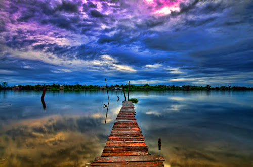 Sekura Bridge by Hendri Suhandi - Landscapes Waterscapes ( sunset, lake, sunrise, bridge, borneo, river )