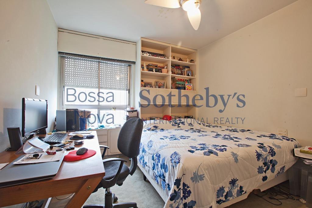 Apartamento próximo aos Clubes Hebraica e Pinheiros.