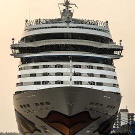 Lipsy Shipy by Vijay Kumar S - Transportation Boats ( water, ship, lips, transportation, boat )