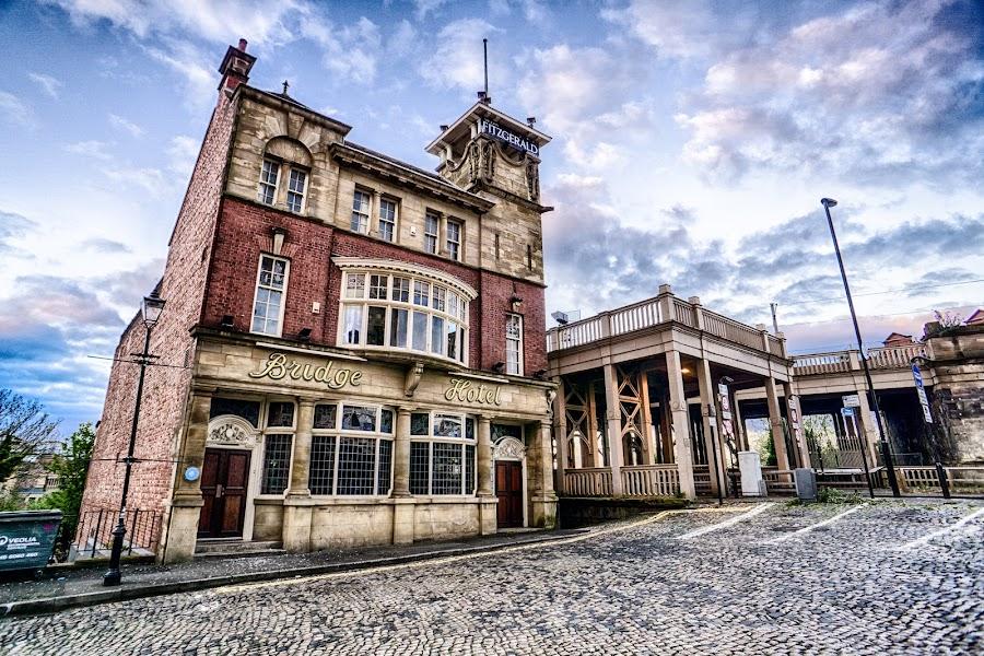 The Bridge Hotel by Adam Lang - Buildings & Architecture Public & Historical ( england, newcastle, the bridge hotel, bar, pub )