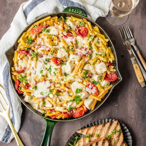 One Pot Chicken Alfredo Skillet