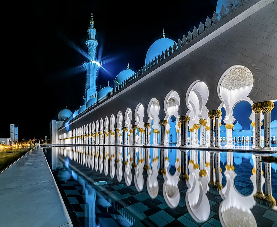 Sheikh Zayed Grand Mosque by Karim Eldeghedy - Buildings & Architecture Places of Worship ( reflection, night photography, hdr, mosque, reflections, long exposure, abu dhabi, city at night, street at night, park at night, nightlife, night life, nighttime in the city )