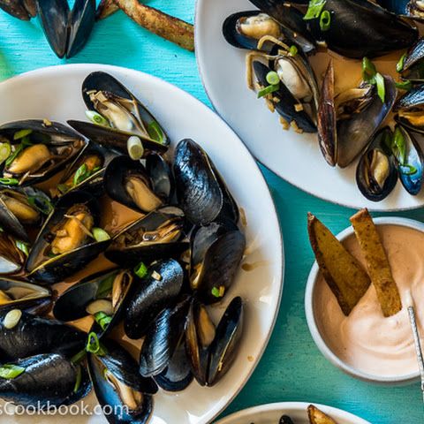 Steamed Mussels with Ginger Oyster Sauce