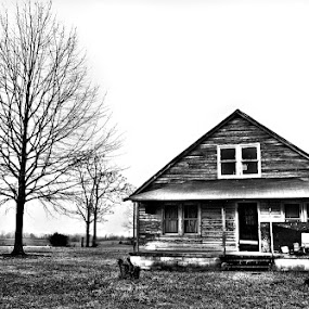 Desolate by Dayton Brown - Landscapes Travel ( canon, home, eos, old, b&w, nc, wide angle, outdoor, house, 50d, abandoned,  )