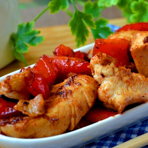 Chicken in sweet and sour Chinese sauce