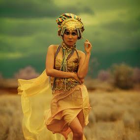 by Chandra Wirawan - People Fashion