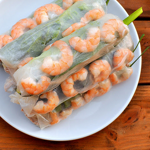 Gỏi Cuốn – Vietnamese Pork and Shrimp Rolls with Hoisin Dipping Sauce