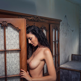 Kate by Frank Vex - Nudes & Boudoir Artistic Nude ( beauty, brunette, model, nude, glamour, fineart, breast )