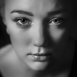 the Eyes by Bendik Møller - People Portraits of Women ( black background, monochrome, girl, black and white, female, woman, beautiful, beauty, mono, close up, closeup, portrait, close )