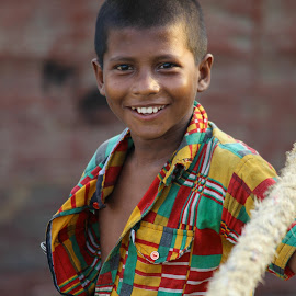 Smile by Arjit Chowdhury - People Portraits of Men ( portrait and people, bangladesh, smile, portrait, street_child,  )