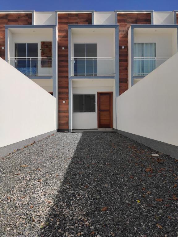 Sobrado com 2 dormitórios à venda, 64 m² por R$ 182.000,00 - Universitário - Tijucas/SC