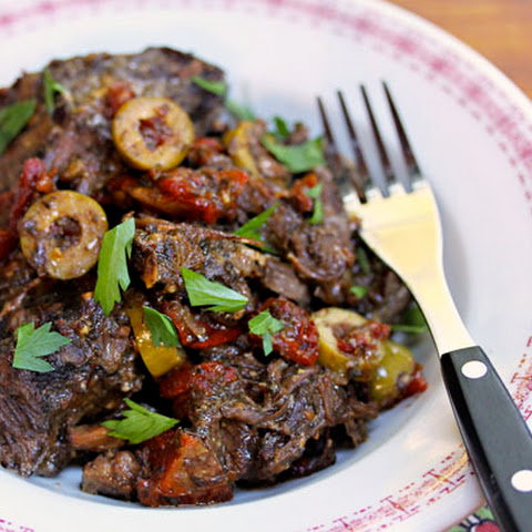 Slow cooker Italian pot roast with sun-dried tomatoes and olives