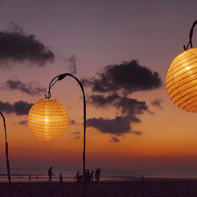 3 Lamps by Johanes Siahaya - Landscapes Sunsets & Sunrises ( bali, sunset, indonesia, lamp, beach )
