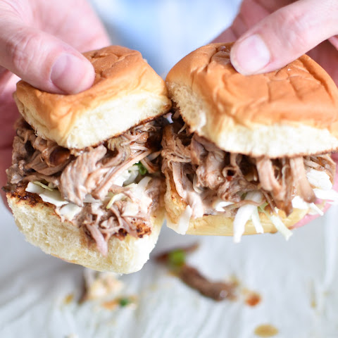Chipotle Pulled Pork Sliders