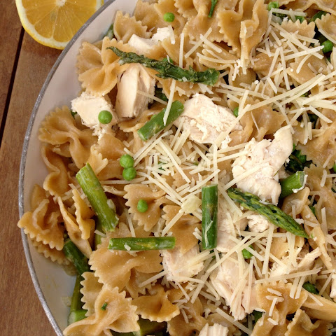 Pasta with Asparagus and Lemon Cream Sauce