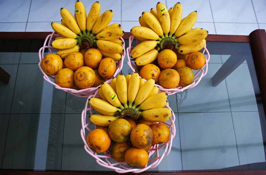 Banana Orange #2 by Mulawardi Sutanto - Food & Drink Fruits & Vegetables ( banana, orange, mantap, fruit, travel, nice, home )