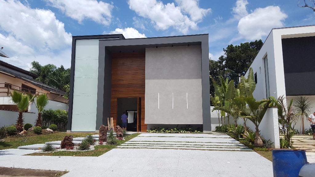 Riviera de São Lourenço - Casa Mobiliada e Decorada 398m² 05 Suítes 04 Vagas Piscina na Al. Passeio do Orvalho para Venda.