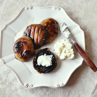 Grilled Portobello mushrooms with ricotta and garlic