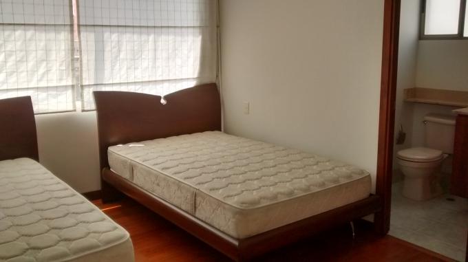 apartamento en arriendo loma de los parra 585-2216