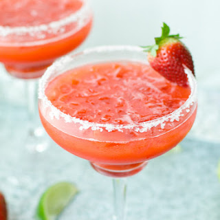Easy Fresh Strawberry Margarita