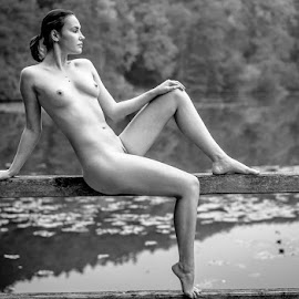 *Pose by the Lake 1* by Mika Leinonen - Nudes & Boudoir Artistic Nude ( pose, sitting, nude, black and white, lake )