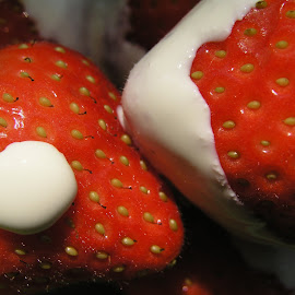 strawberries and cream by Sue Rickhuss - Food & Drink Fruits & Vegetables (  )