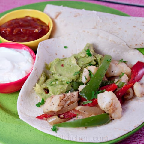 Fish Fajitas With Tomatillo Guacamole