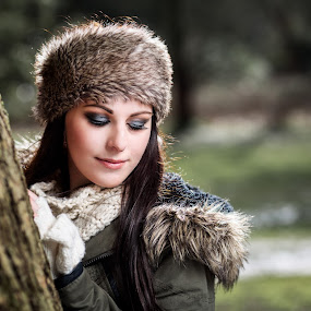 Winter Beauty by Paul Eyre - People Portraits of Women ( nottingham wedding photographer, winter, editorial, female, paul eyre images, styled shoot, make-up )