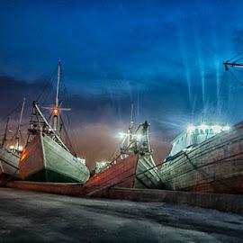 an evening @ Sunda Kelapa... by Syarif Rohimi - Transportation Boats (  )