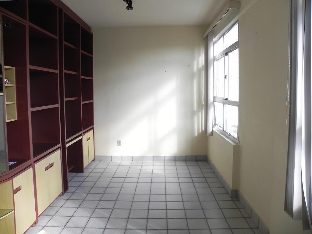 Apartamento com 3 dormitórios para alugar, 120 m² por R$ 2.100/mês - Boa Vista - Recife/PE
