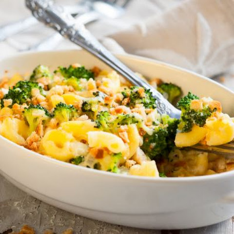 Hearty Broccoli Macaroni With Crispy Breadcrumbs