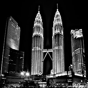 KLCC B&w by Mishesh Ramesh - Buildings & Architecture Office Buildings & Hotels ( twin, towers, beautiful, white, pwcbridges, black )