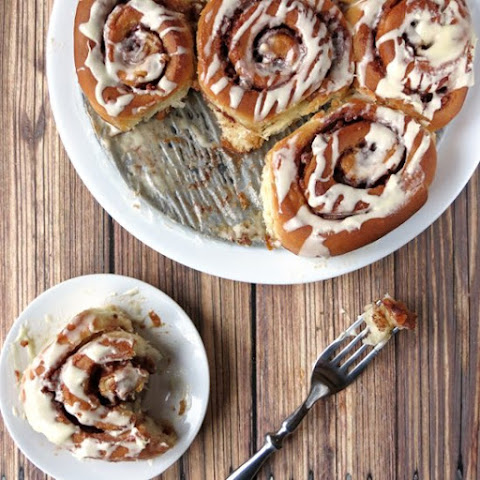 Apple Cinnamon Rolls with White Chocolate Ganache