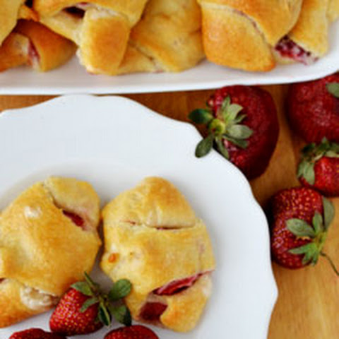 Strawberry Cream Crescent Roll