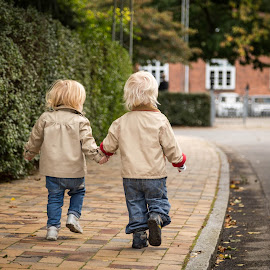 Twins and best friends by Jesper Høgsdal - Babies & Children Toddlers ( friends, play, summer, twins, holding hands, KidsOfSummer )