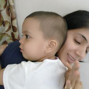 Unconditional love by Ved Thapar - Babies & Children Children Candids