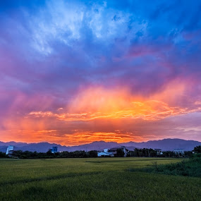 Sunset by Jay Chen - Landscapes Cloud Formations
