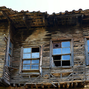 It is time to move to a new one. by Marcel Cintalan - Buildings & Architecture Decaying & Abandoned ( wooden, too old, house, broken windows, abandoned,  )