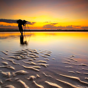 Landscaper on Duty by Aris Winahyu BR - Landscapes Waterscapes ( waterscape, sunset, beach )