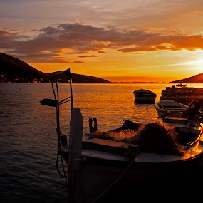 Sunset in the bay by Michal Fokt - Landscapes Sunsets & Sunrises ( bay, sunset, sea, boat,  )