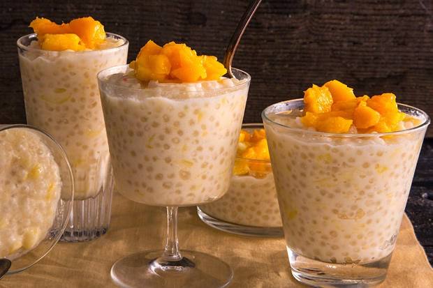 Slow Cooker Coconut Tapioca Pudding with Mango Recept | Yummly