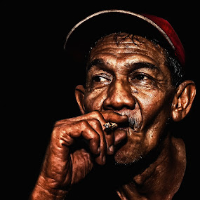 by Hamdi Aziz - People Portraits of Men ( senior citizen )