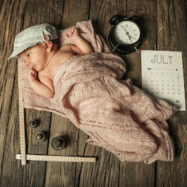 Newborn Vik by Dennis Nieling - Babies & Children Babies ( tiny, calender, birth, sweet, vik, clock, card, baby, newborn, ruler )