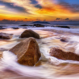 Waves sunset by Dany Fachry - Landscapes Beaches
